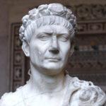 トラヤヌスとはどんな人物か?生涯や記念柱について解説