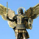 大天使ミカエルとは?その意味や見た目、役割、伝説など解説